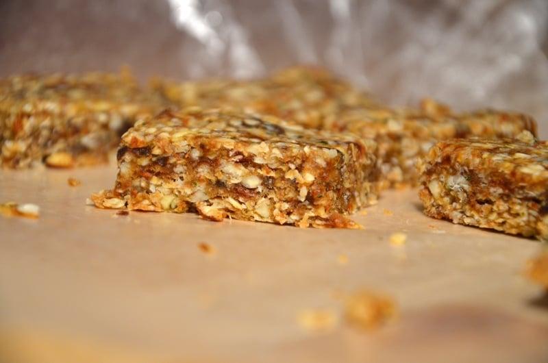 No-Bake Oat and Almond Bars (Vegan)
