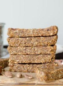 Vegan No-Bake Almond Oats Bars