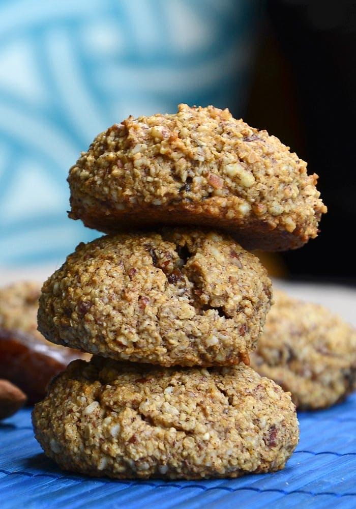 Healthy Vegan Almond Date Cookies | gluten-free