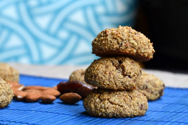 Vegan Date and Almond Cookies | Running on Real Food