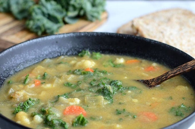 Healthy Kale and Cauliflower Soup