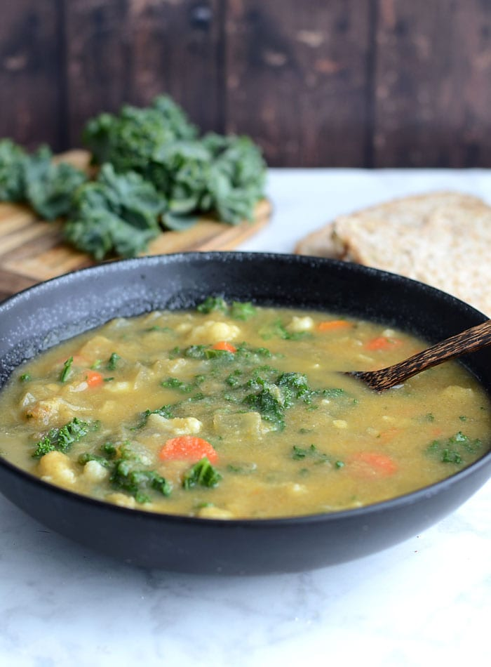 Healthy Kale and Cauliflower Soup Recipe