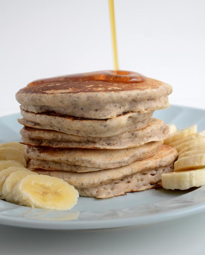 Healthy Vegan Breakfast Recipes like Pancakes, Oats and Smoothies