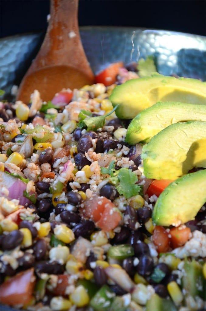 Mexican Grilled Corn and Black Bean Salad - Vegan, Gluten-Free #vegansalads #veganrecipes