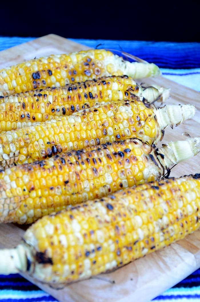 Mexican Grilled Corn and Black Bean Salad - Vegan, Gluten-Free #vegansalads #veganrecipes