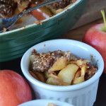 Perfect for fall - Vegan and Grain-Free Healthy Apple Crisp! Only a handful of natural ingredients required with no added sugar.
