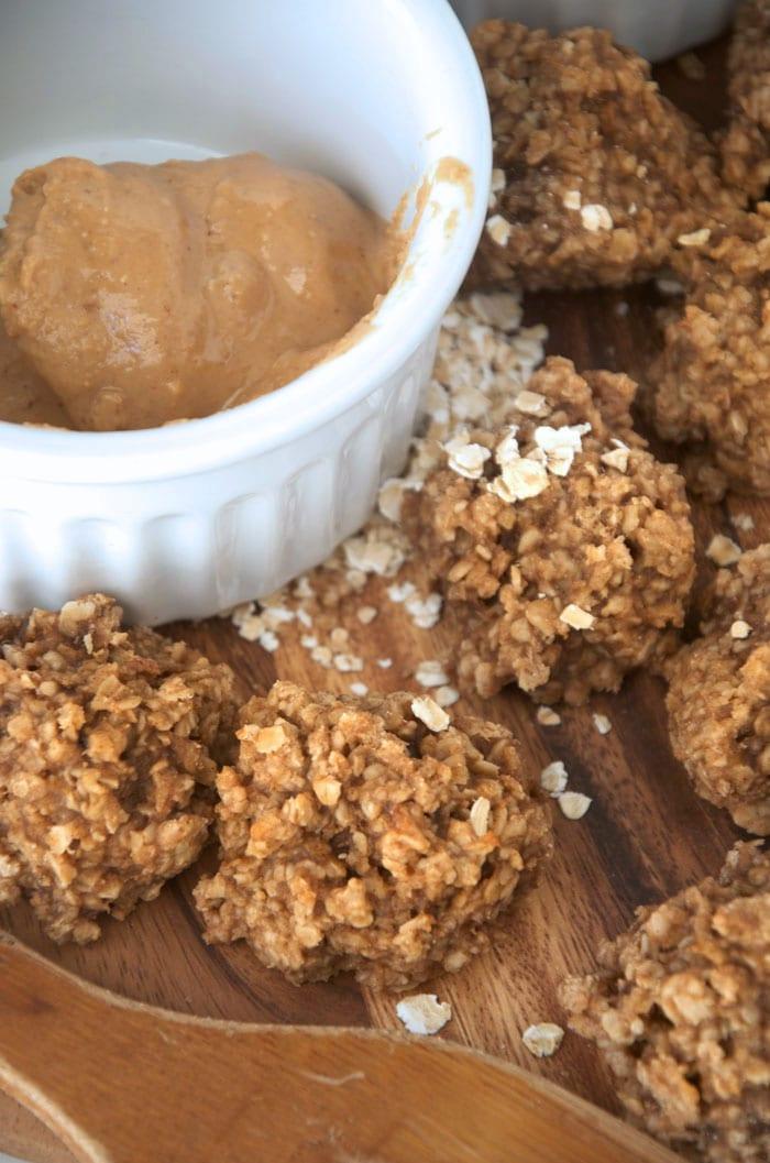 Healthy Flourless Peanut Butter Oatmeal Banana Cookies #vegan #glutenfree