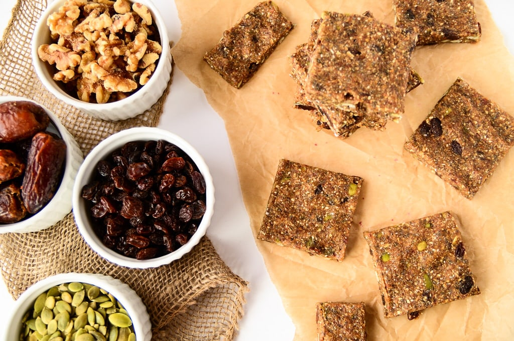 Vegan No-Bake Oatmeal Raisin Energy Bars - Gluten-Free, Healthy, Tastes like an Oatmeal Raisin Cookie!