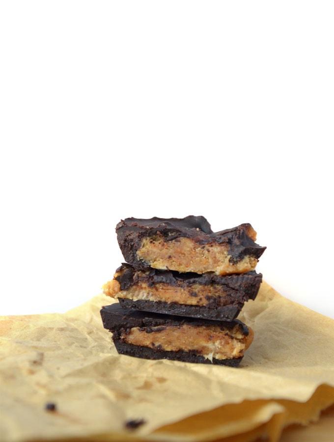 Raw Vegan Chocolate Peanut Butter Banana Cups