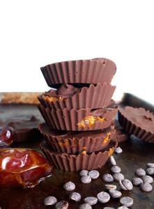 2-Ingredient Vegan Chocolate Caramel Cups
