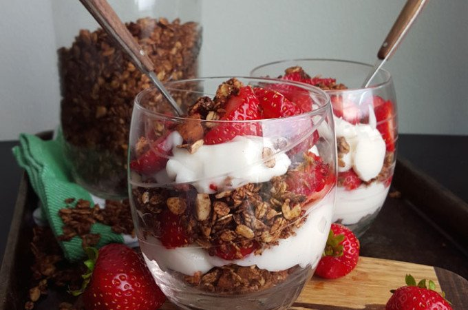 The Best Vegan Mocha Granola Ever