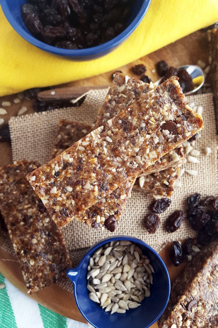 Nut-Free No-Bake Vegan Chewy Granola Bars! Featuring sunflower seeds, raisins and tahini.