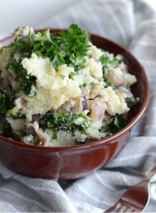 Vegan Mashed Cauliflower with Kale and Mushrooms - Low Carb & Fat, Healthy, Flavourful and Gluten-Free. Makes a great side or main dish! Try it with mushroom gravy.