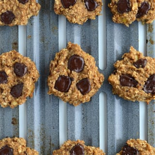 5-Ingredient Vegan Peanut Butter Chocolate Chunk Cookies - Low Fat, No Flour, No Added Sugar