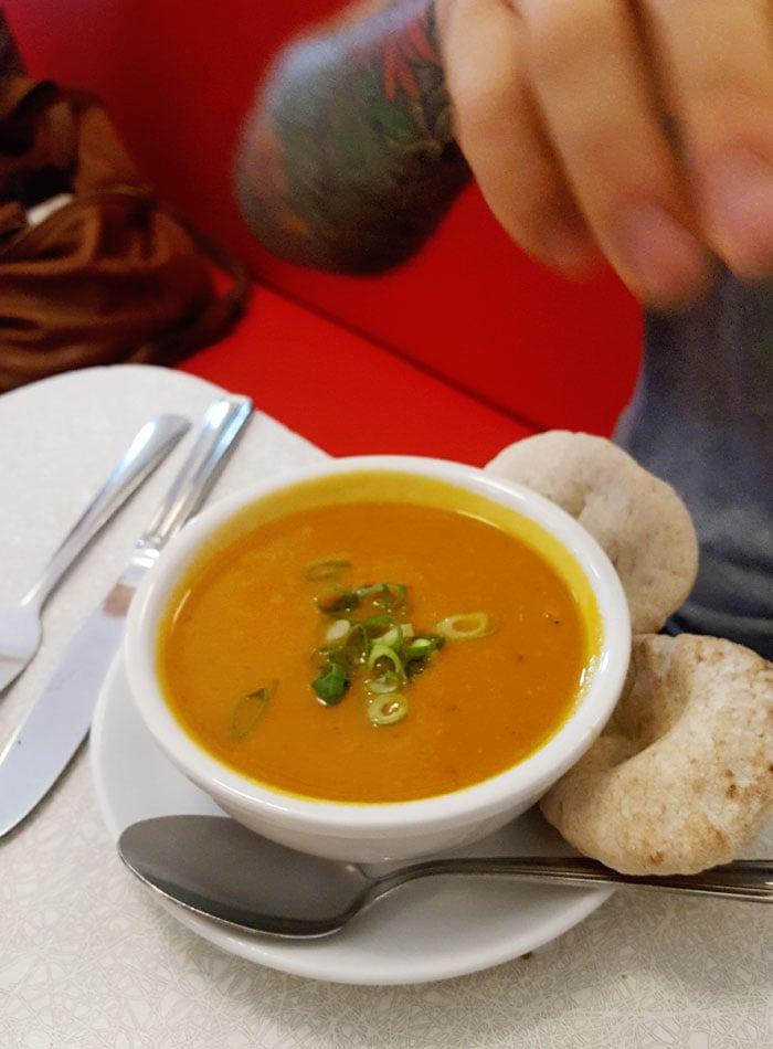 aux-vivres-tom-yum soup montreal