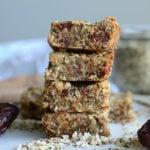 Vegan Tahini Hemp Seed Bars with Oats, Coconut and Dates - Guten-Free