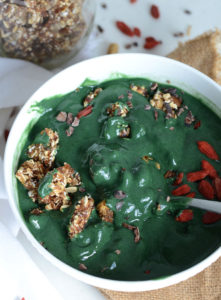 Green Smoothie Bowl with 2-Ingredient Raw Granola