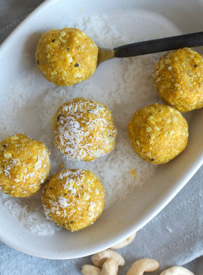 11-no-bake-coconut-balls-with-turmeric-and-cashews-vegan.jpg