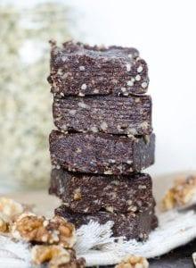 Healthy Raw Hemp Seed Brownies | vegan, gluten-free | Running on Real Food