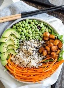 Sriracha Baked Tofu Brown Rice Bowls | vegan poke, gluten-free