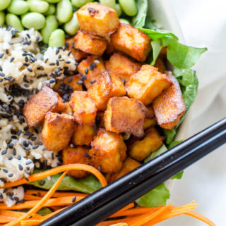 Healthy Sriracha Baked Tofu Brown Rice Bowls | vegan poke, gluten-free