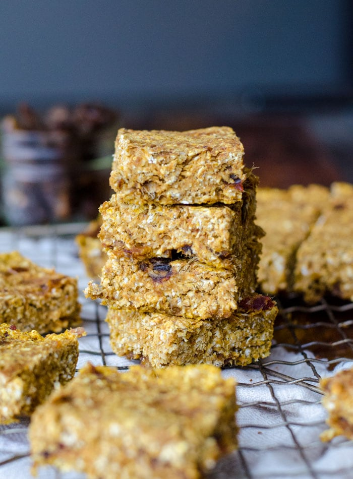 Vegan Baked Pumpkin Oatmeal Bars with Dates - Gluten-Free