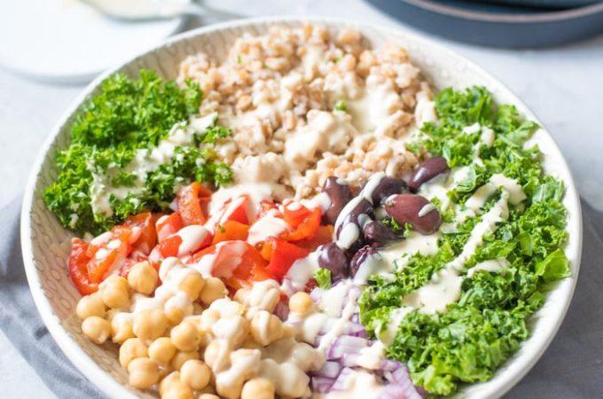 Mediterranean Farro Salad Bowls