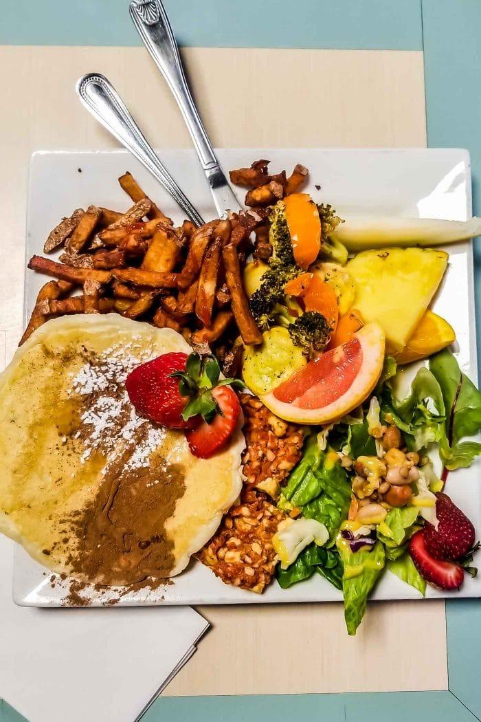 Vegan All Day Breakfast Platter at Karine's in Toronto.