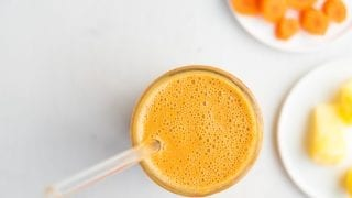 Snack: Vegan Carrot Cake Smoothie
